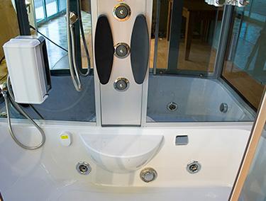 Cabina Vasca Idromassaggio : Bagno con cabina doccia
